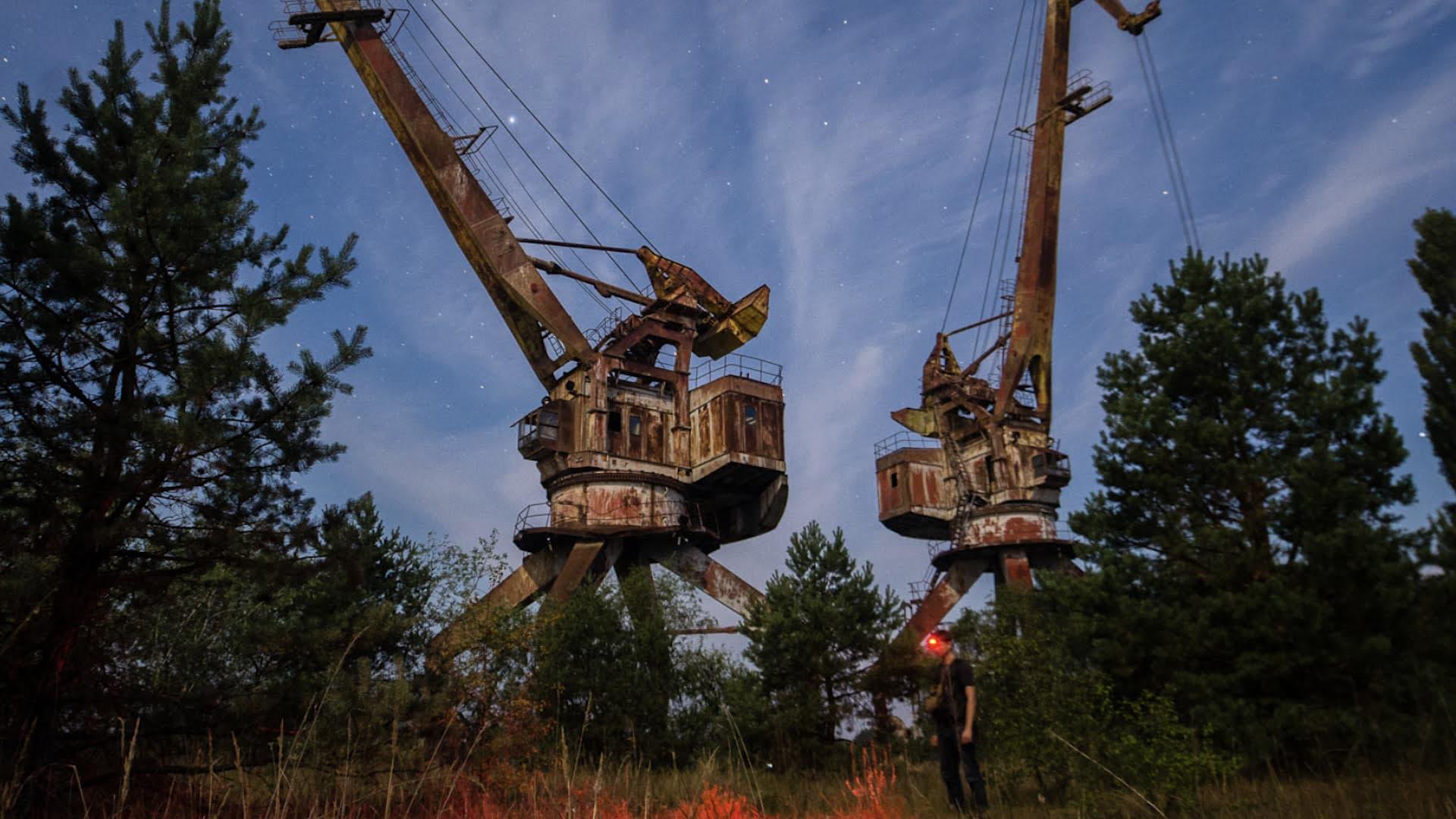 stalking-chernobyl3-film@2x
